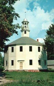 Richmond, Vermont, VT, Old Round Church, Chrome Vintage Postcard g9282