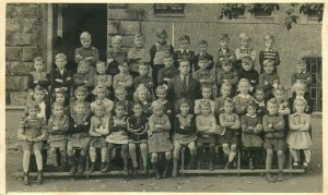 Early photo social history kindergarten teacher children Germany Furth