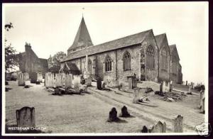 kent, WESTERHAM Church, Churchyard (ca. 1960) ppc