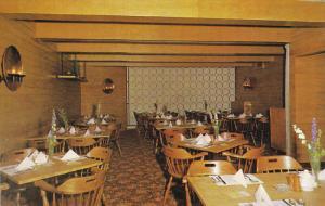 Pioneer Room at DEL Restaurant , SASKATOON , Saskatchewan , Canada , 50-60s