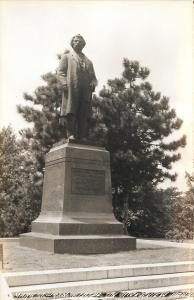Hannibal Missouri~c1913 Mark Twain Statue in Riverview Park~1940s RPPC