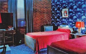 Pensacola FL DeLuna Motor Hotel Interior TV Telephone Postcard