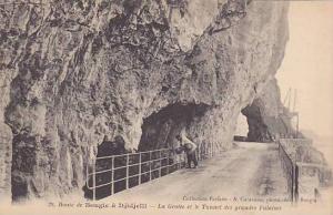 La Grotte Et Le Tunnel Des Grandes Falaises, Route De Bougie A Djidjelli, Fra...