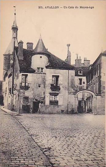 Avallon , France , 00-10s : Un Coin du Moyen-Age