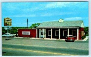 LITTLE ROCK, Arkansas AR ~ Roadside HANK'S DOG HOUSE 1950s Cars Postcard