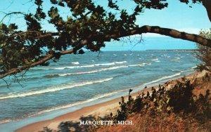 Marquette, Michigan, MI, White-Capped Waves, Chrome Vintage Postcard h3589