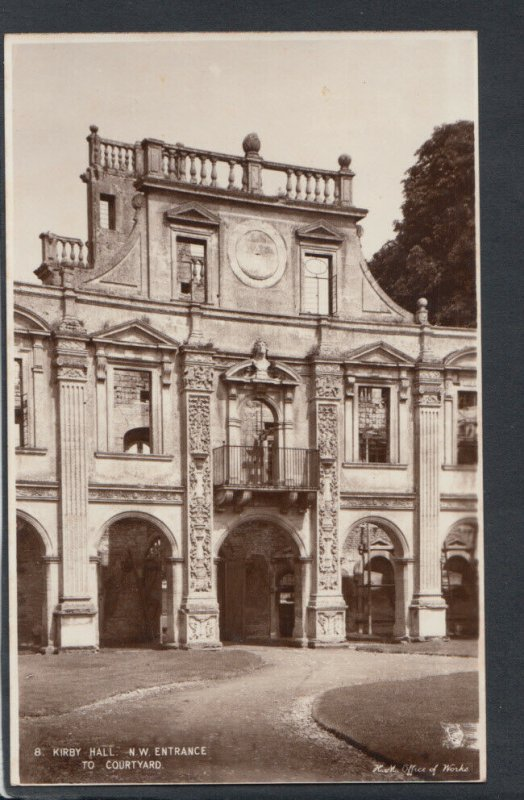 Northamptonshire Postcard - Kirby Hall, N.W.Entrance To Courtyard  T3920