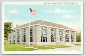 Fredericksburg Texas~New US Post Office~Floor to Ceiling Windows~1940s