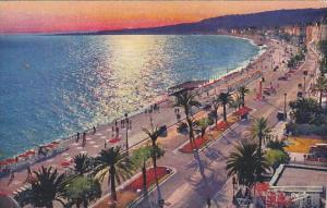 France Nice Coucher de ssoleil sur la promenade des Anglais