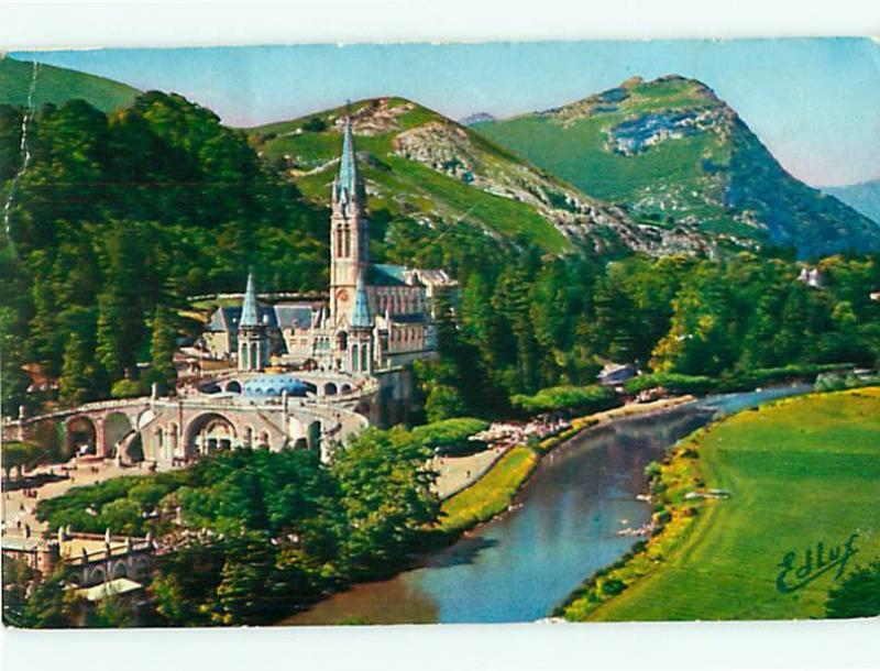 France 32 Bis Lourdes The Basilica and the Grave Edlux  Postcard # 6341
