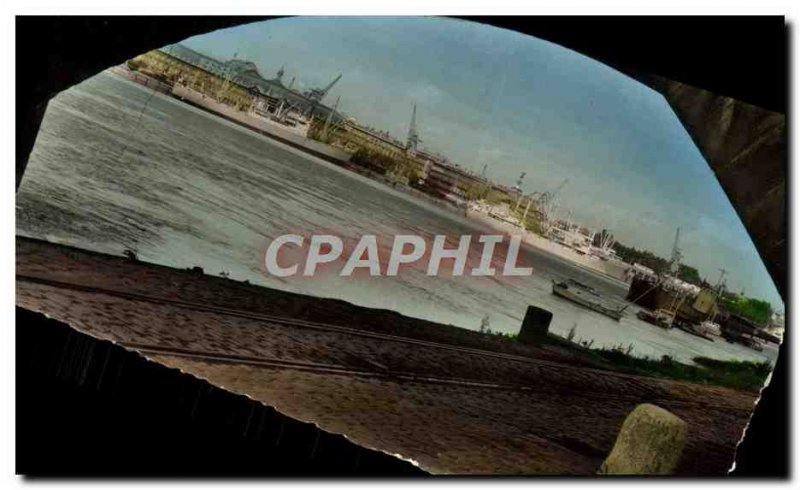 Postcard Modern Bordeaux Boat Docks