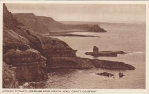 Looking towards Portrush , GIANT´s Causeway , Northern Ireland , 10-30s