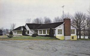 Le Pavillon Du Club de Golf, Golf Club House, Tracy, Quebec, Canada, 40-60´s