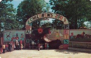 ROANOKE , Virginia , 1950-60s ; Children's Zoo