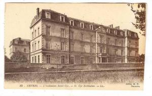 Nevers , France, 00-10s ; L'institution Saint-Cyr