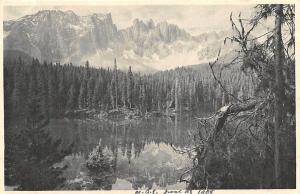Austria Partie am Karersee mit Latemar Tirol Lake Forest Mountain