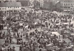 BERGEN NORWAY NORGE MARKET DAY~VENDOR CARTS~NORMANN PHOTO POSTCARD 1940s