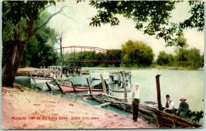Sioux City IA Postcard Pleasure Trip on Big Sioux River Boats / Bridge c1910s