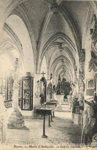 CPA ROUEN - Musée d'antiquites (154114)