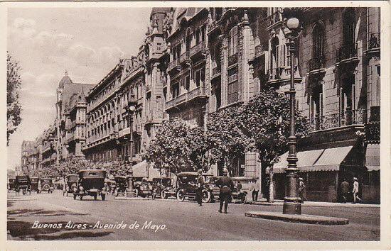 RP: Buenos Aires - Avenida de Mayo , Argentina , 00-10s