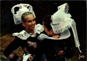 CPM La Bretagne Coiffes et costumes de Bannalec FOLKLORE (753898)