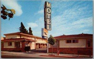 Berkeley, California Postcard BERKELEY CAPRI MOTEL University Ave. Roadside