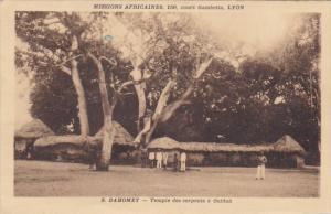 DAHOMEY , Africa , 1950s ; Temple des serpants a Ouidah