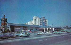 Exterior,  Blue Boy Motor Hotel,  Vancouver,  B.C.,   Canada,  40-60s