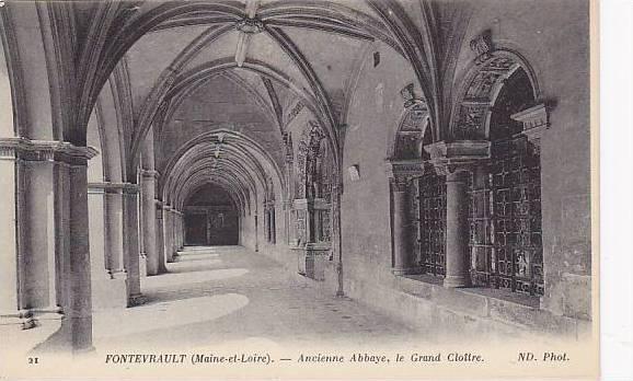 Ancienne Abbaye, Le Grand Cloitre, Fontevrault (Maine et Loire), France, 1900...