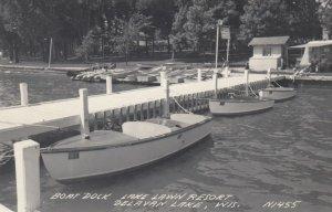 RP: DELAVAN LAKE , Wisconsin, 1930-40s ; Boat Dock , Lake Lawn Resort