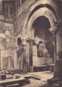 France Poitiers Interieur du Baptistere Saint-Jean