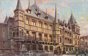 Luxembourg Le Palais grand-ducal Tucks