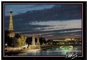Postcard - La Tour Eiffel at Night Scenic View Paris France