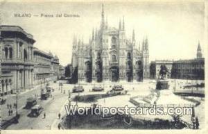 Milano, Italy, Italia Piazza ddel Duomo  Piazza ddel Duomo