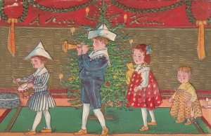 CHRISTMAS , 1914 ; Christmas tree & 4 kids
