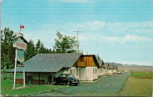 Waterloo Chalets Fanny Bay BC Vancouver Island c1968 Postcard G56