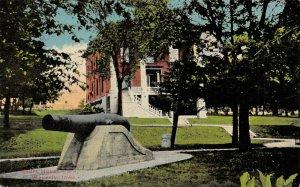 LP84  Court House Waverly  Iowa Postcard