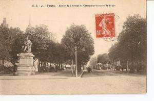 Postal 026827 : Tours, Entree de lAvenue de Grammont et statue de Balzac