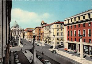 Italia, Roma, Reconciliation Street and St. Peter, auto cars, voitures