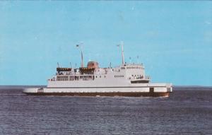 TRANS-ST-LAURENT Ferry liner of la Treverse Riviere-du-Loup, St. Simeon,  40-60s
