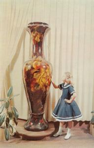 NEW MARKET , Virginia, 50-60s; World's Largest Vase at The Valley Pottery