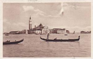Gondola, Isola S. Giorgio, Venezia (Veneto), Italy, 1900-1910s