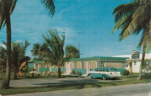 HALLANDALE , Florida , PU-1960; La Paquena Courts