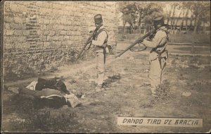 Mexican Revolution MaCabre Soldiers w/ Guns Dead Body DANDO TIRO DE GRACIA