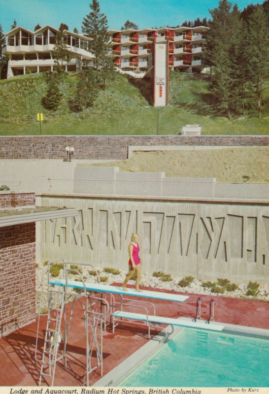 RADIUM HOT SPRINGS , B.C. , 50-70s; Lodge & Aquacourt # 2, Woman on Diving Board