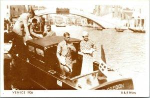 Duke of Windsor & Mrs Simpson Venice 1936 Reproduction Postcard
