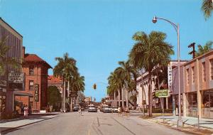 Fort Ft Myers Florida~First Street~Bank Time & Temp~Hotel~Thrifty~1950s Cars PC