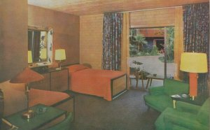 HOLLYWOOD , California , 1940-60s ;  Roosevelt Hotel , Interior of the Poolside