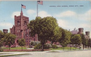 SIOUX CITY - A LOVELY VIEW of Central High School. 1930's era