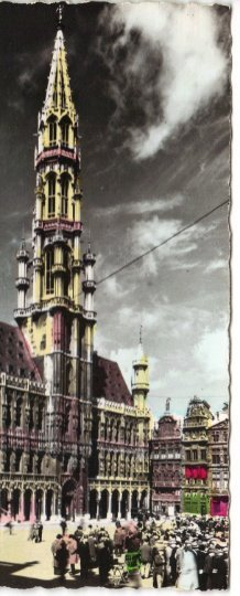 Real Photograph Postcard depicting the Hotel de Ville in the Grand Place (Grote